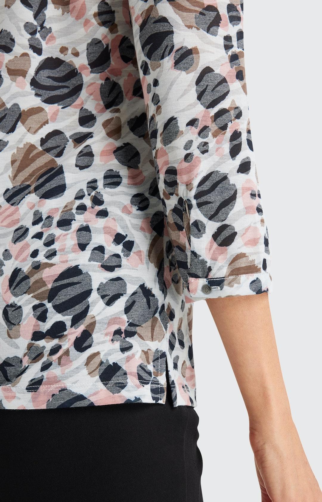 Shirtbluse mit Allover-Muster in Weiß