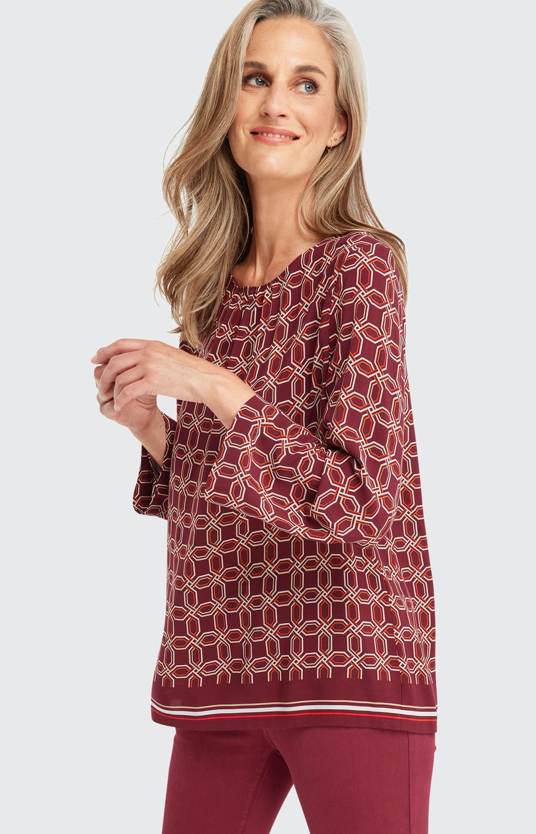 Shirtbluse mit Allover-Muster in Rot