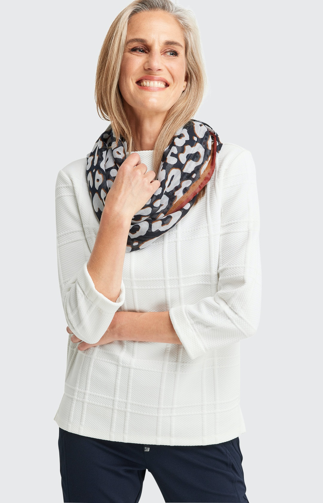 Loop Schal mit Muster-Mix in Weiß