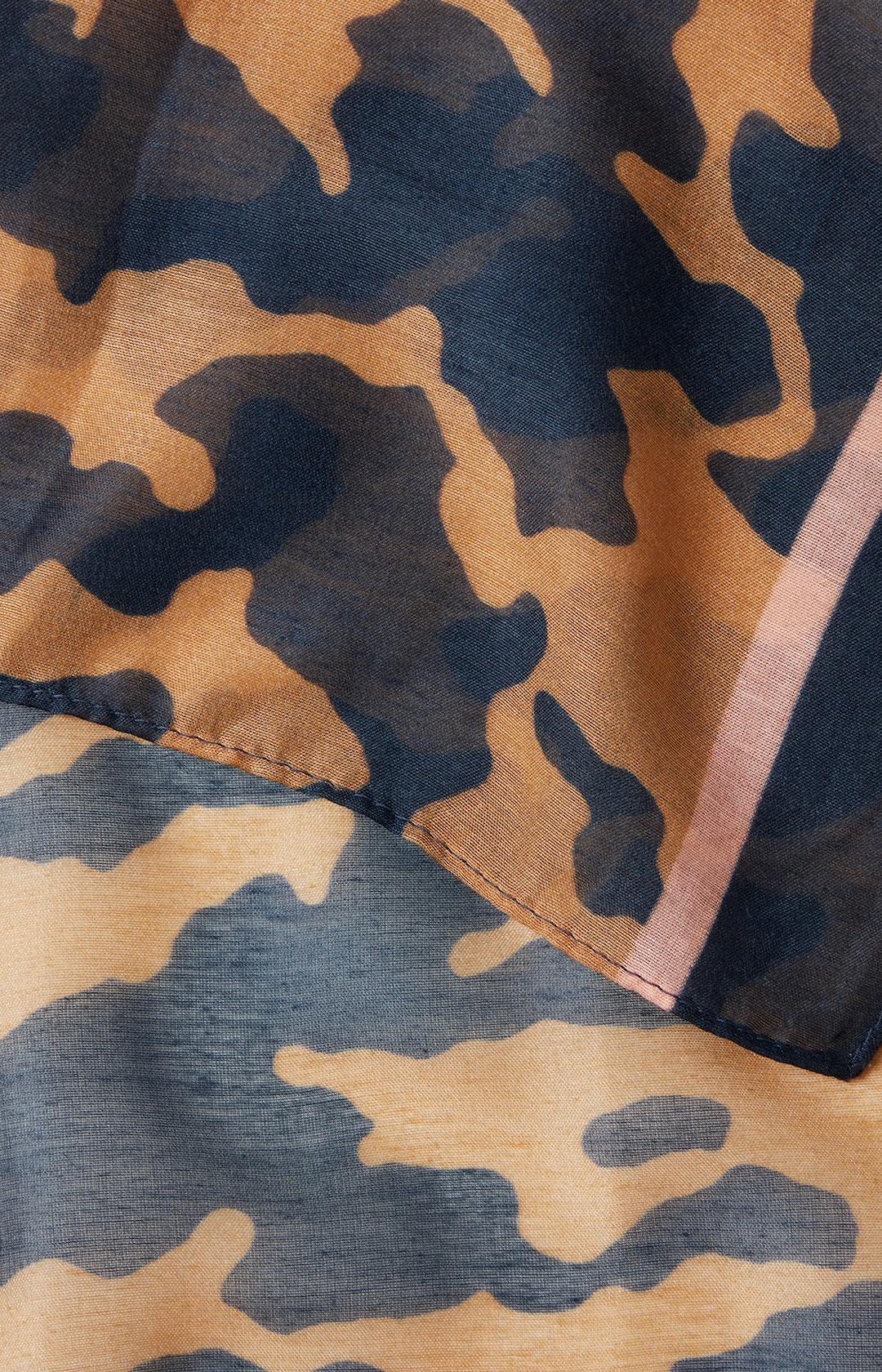Schal mit Animal-Print in Dunkelblau